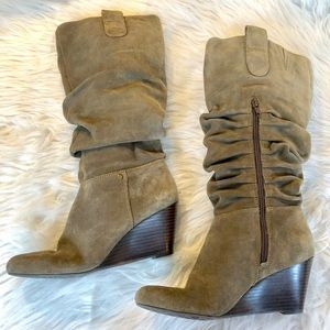 Arturo Chiang | Suede Slouch Boots